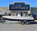 2019 Robalo R206 Cayman Navy Bottom ##UNKNOWN_VALUE## Boat