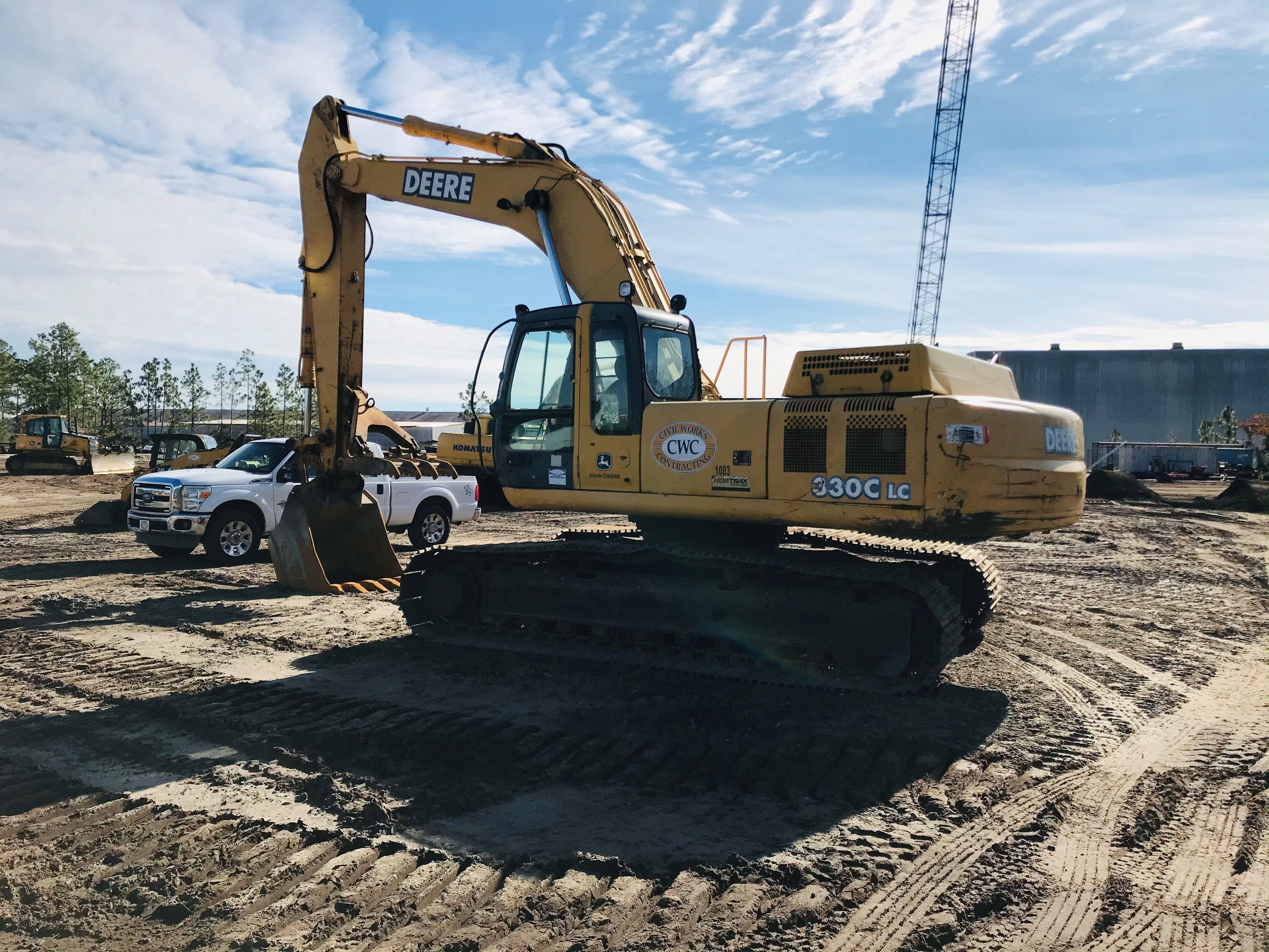 2005 John Deere 330C excavator