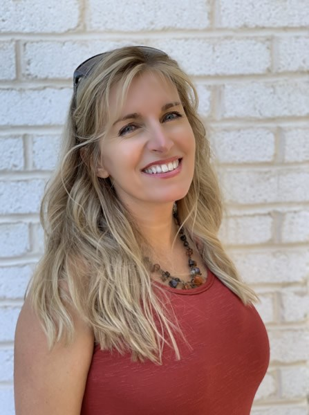 Portrait of Debbie Kinlaw from CENTURY 21 Sunset Realty