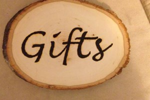 Gifts_wood_sign001.JPG