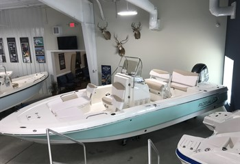 2020 Robalo R226S Cayman liquid-unknown-field [type] Boat