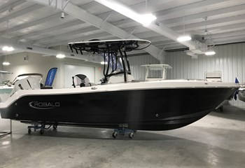 2020 Robalo R242 EX Black (ON ORDER) Boat