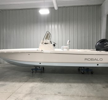 2019 Robalo R226 Ice Blue Bottom liquid-unknown-field [type] Boat